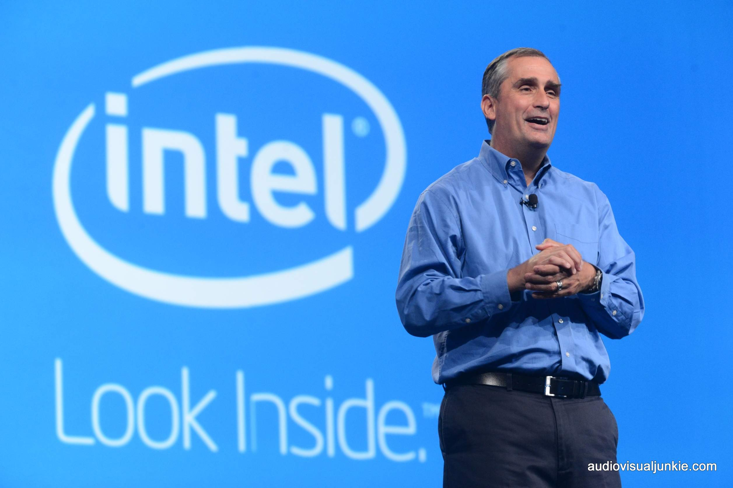 http://corporate-executives.com/wp-content/uploads/2015/10/Intel-CEO-Brian-Krzanich-delivers-his-keynote-Mobilizing-Intel-at-the-Intel-Developer-Forum-in-San-Francisco..jpg